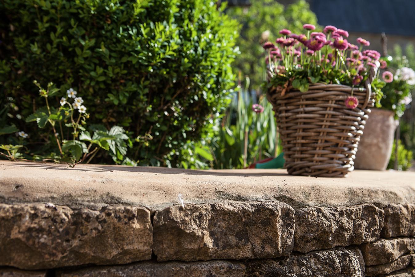 Realisation terrasse murets escalier allee jardin pierre recuperation 3